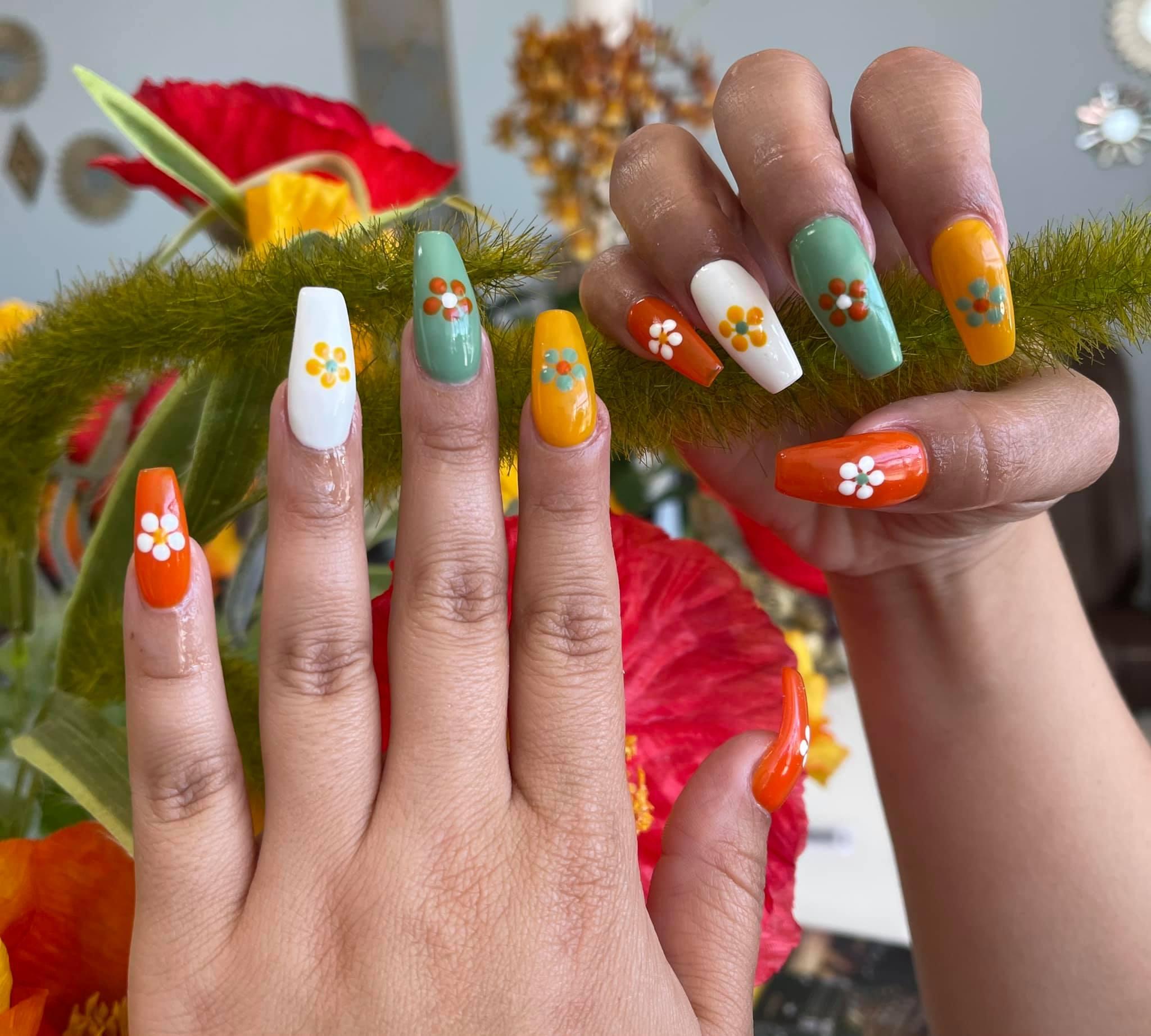 Royal Nails & Lashes