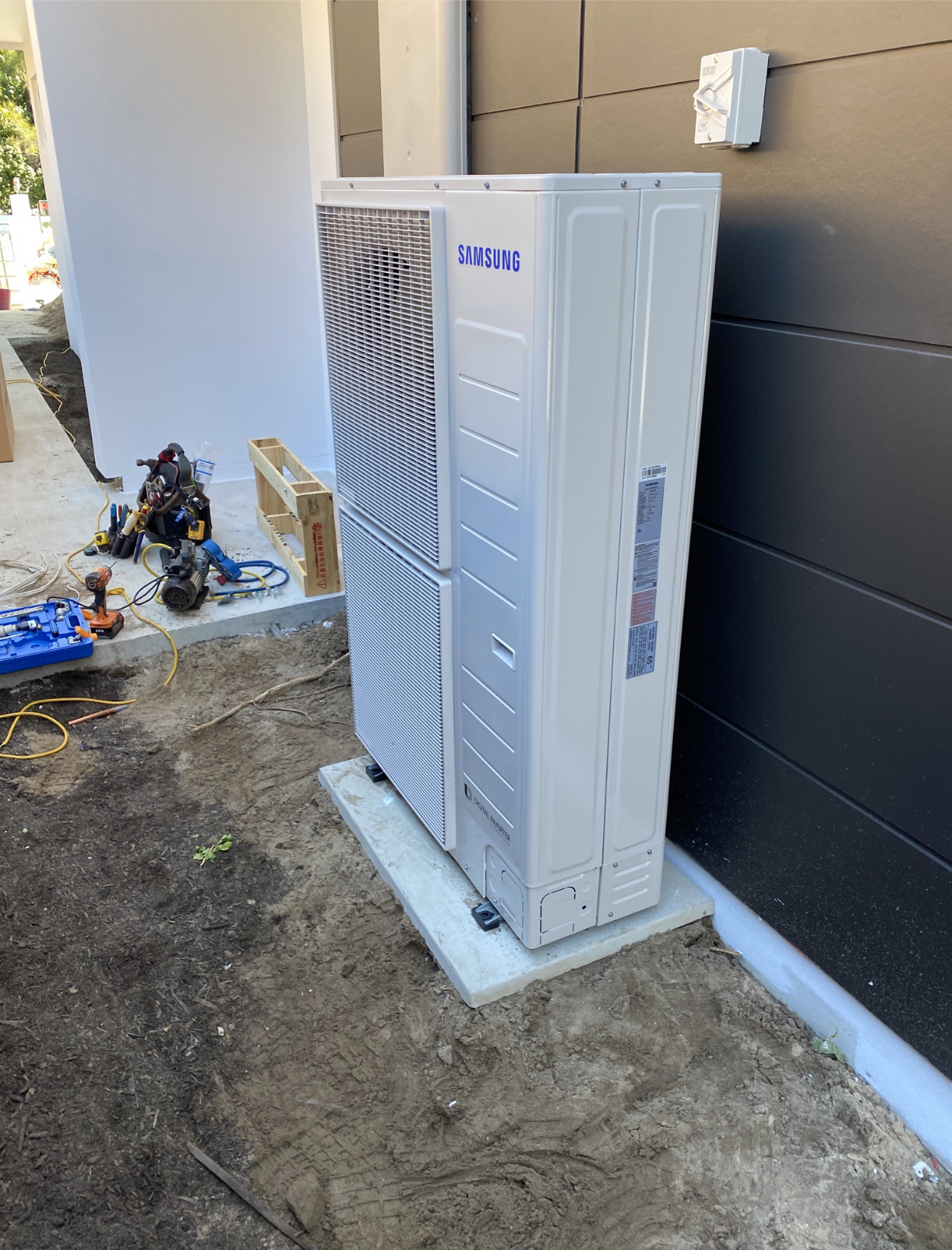 Airlock Electrical & Air Conditioning Services
