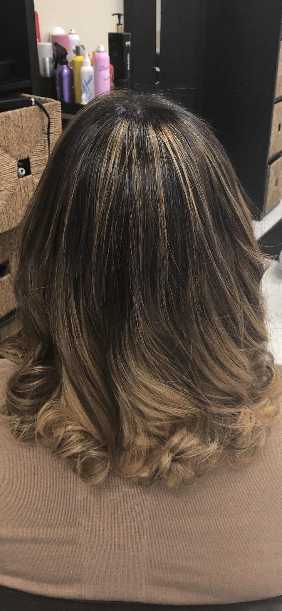 Zoralla's Dominican Hair Salon